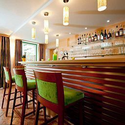 Sonnenhof_im_Gruenen-Timelkam-Hotel_bar-465525.jpg