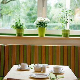 Sonnenhof_im_Gruenen-Timelkam-Breakfast_room-465525.jpg