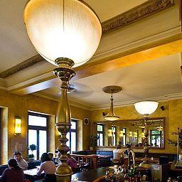 Brasserie-Erlangen-Restaurantbreakfast_room-465972.jpg