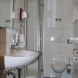 Drive_IN-Stuttgart-Bathroom-3-484944.jpg
