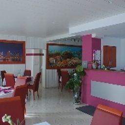 Drive_IN-Stuttgart-Breakfast_room-1-484944.jpg