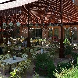 Obester-Debrecen-Garden-487132.jpg