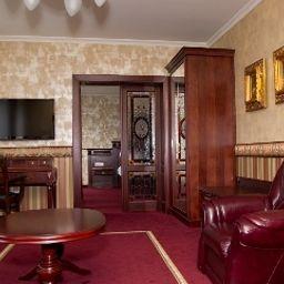 Obester-Debrecen-Suite-2-487132.jpg