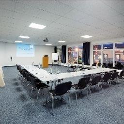 Vitalis-Regensburg-Conference_room-488201.jpg