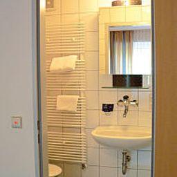 Gaestehaus_Klinikum_Esslingen-Esslingen-Bathroom-491351.jpg