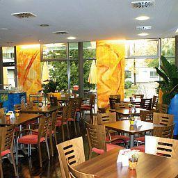 Gaestehaus_Klinikum_Esslingen-Esslingen-Restaurantbreakfast_room-491351.jpg