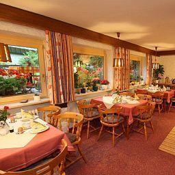Schmid_Gaestehaus-Obermaiselstein-Breakfast_room-495781.jpg