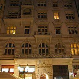 Royal_Road_Residence-Prague-Interior_view-1-505846.jpg