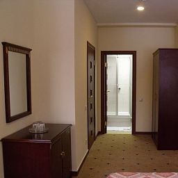 Sokolniki-Moscow-Room-3-506996.jpg