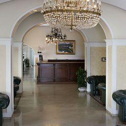 Reception Lloyd's Baia