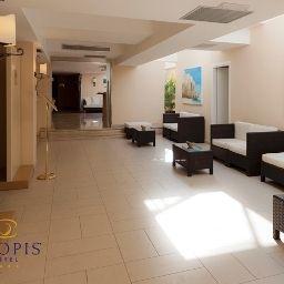 Tropis-Tropea-Hall-517086.jpg