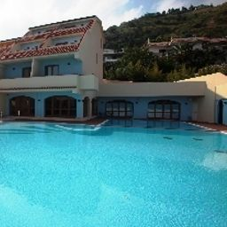 Swimming pool Tropis