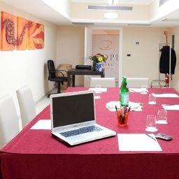 Tropis-Tropea-Conference_room-517086.jpg