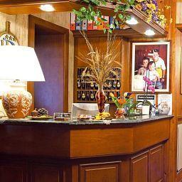 Belvedere_Hotel_Ristorante-Minucciano-Reception-520725.jpg