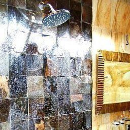 Lichtenberg_Wisata_Beach_Inn_Gang_Celup_No_5-Legian-Bathroom-1-520953.jpg