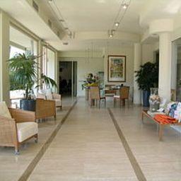 Verde_Luna-Pietrasanta-Hall-520998.jpg