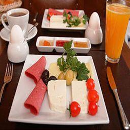 Breakfast buffet Istanbul Inn