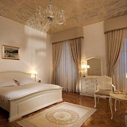 Antiq_Palace_Small_Luxury_Hotel_of_the_World-_SLH-Ljubljana-Room-1-521755.jpg