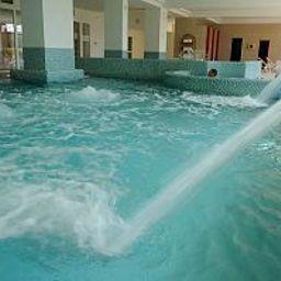 Ket_Korona_Konferencia_es_Wellness-Balatonszarszo-Pool-1-521885.jpg