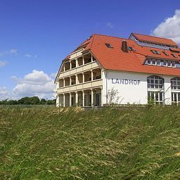 Exterior view Landhof Usedom Appartementhotel Stolpe