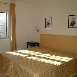 Solar_da_Bica_Manor_House-Sao_Vicente-Room-1-524176.jpg