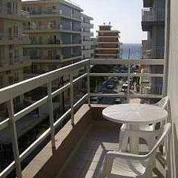 Amaryllis-Rhodes-Exterior_view-1-524757.jpg