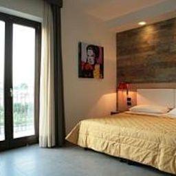 Visagi-Pompei-Room-4-525724.jpg
