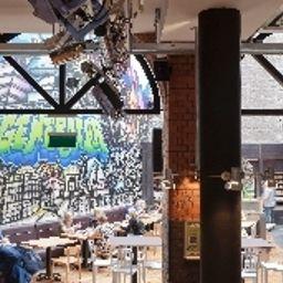 Generator_Hostel-Dublin-Breakfast_room-528802.jpg