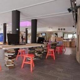 Generator_Hostel-Dublin-Hall-528802.jpg