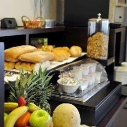 Bufet de desayuno M14