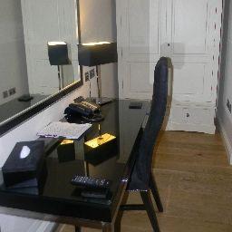 Old_House_At_Home-Chippenham-Room-8-529270.jpg
