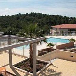 Odalys_Les_Parasols_DArgens_Residence_de_Tourisme-Roquebrune-sur-Argens-Pool-1-534736.jpg