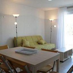 Odalys_Les_Parasols_DArgens_Residence_de_Tourisme-Roquebrune-sur-Argens-Room-1-534736.jpg