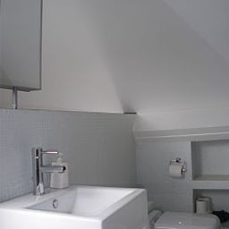 B-myguest_Bed_Breakfast-Brussels-Bathroom-1-535248.jpg
