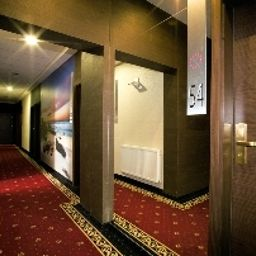 Boutique_Hotels_I_Business-Lodz-Hotelhalle-3-535543.jpg