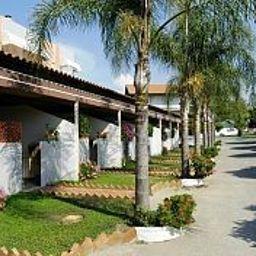 Felix_Residence_Hotel-Ricadi-Garden-536235.jpg