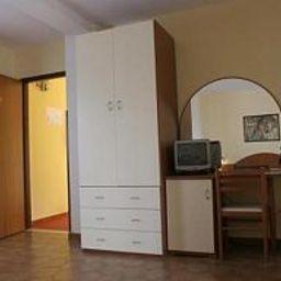 Felix_Residence_Hotel-Ricadi-Room-1-536235.jpg
