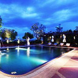 Swimming pool Furama Chiang Mai