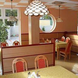 Het_Vezer_Apartmanhotel-Komarom-Breakfast_room-537111.jpg