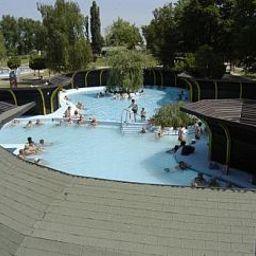 Het_Vezer_Apartmanhotel-Komarom-Pool-3-537111.jpg