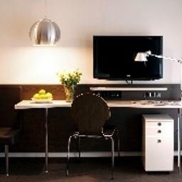 Derag_Livinghotel_Campo_dei_Fiori-Munich-Room-5-537735.jpg