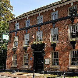 Chequers_Inn-Uckfield-Exterior_view-4-539483.jpg