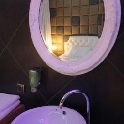 Ramka_Restaurant_Wine_Bar-Poznan-Bathroom-1-540001.jpg