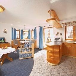 Am_Wiesenhang_Kurhotel-Bad_Kohlgrub-Suite-1-540663.jpg
