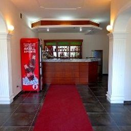 Viktoria_Hotel_SaukTirana-Tirana-Hotel_bar-2-541111.jpg
