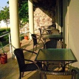 Viktoria_Hotel_SaukTirana-Tirana-Garden-2-541111.jpg