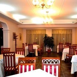 Viktoria_Hotel_SaukTirana-Tirana-Restaurant-2-541111.jpg