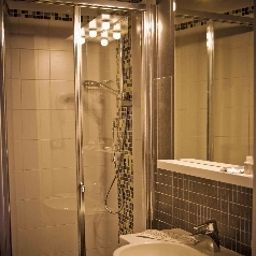 Star-Rome-Bathroom-541695.jpg