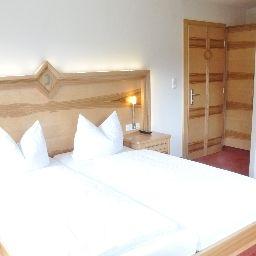 Gasthaus_Steinberg-Westendorf-Double_room_superior-541884.jpg