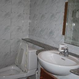 Suriwongse_Hotel-Bangkok-Bathroom-3-542122.jpg